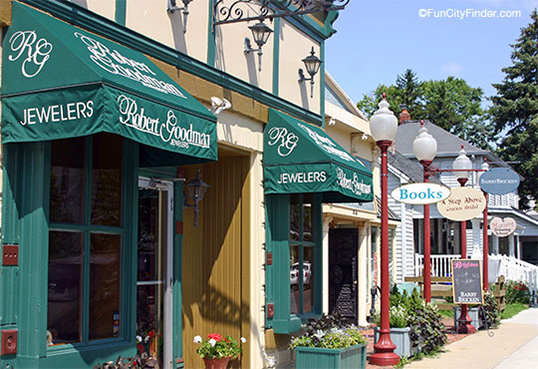 Downtown Zionsville Indiana Shops 538 resized 600