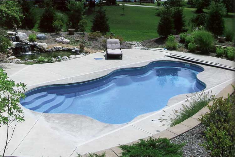 Pool builders indianapolis cost of fiberglass and vinyl for Swimming pool installation cost