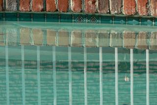 Perma Pools: waterline tile